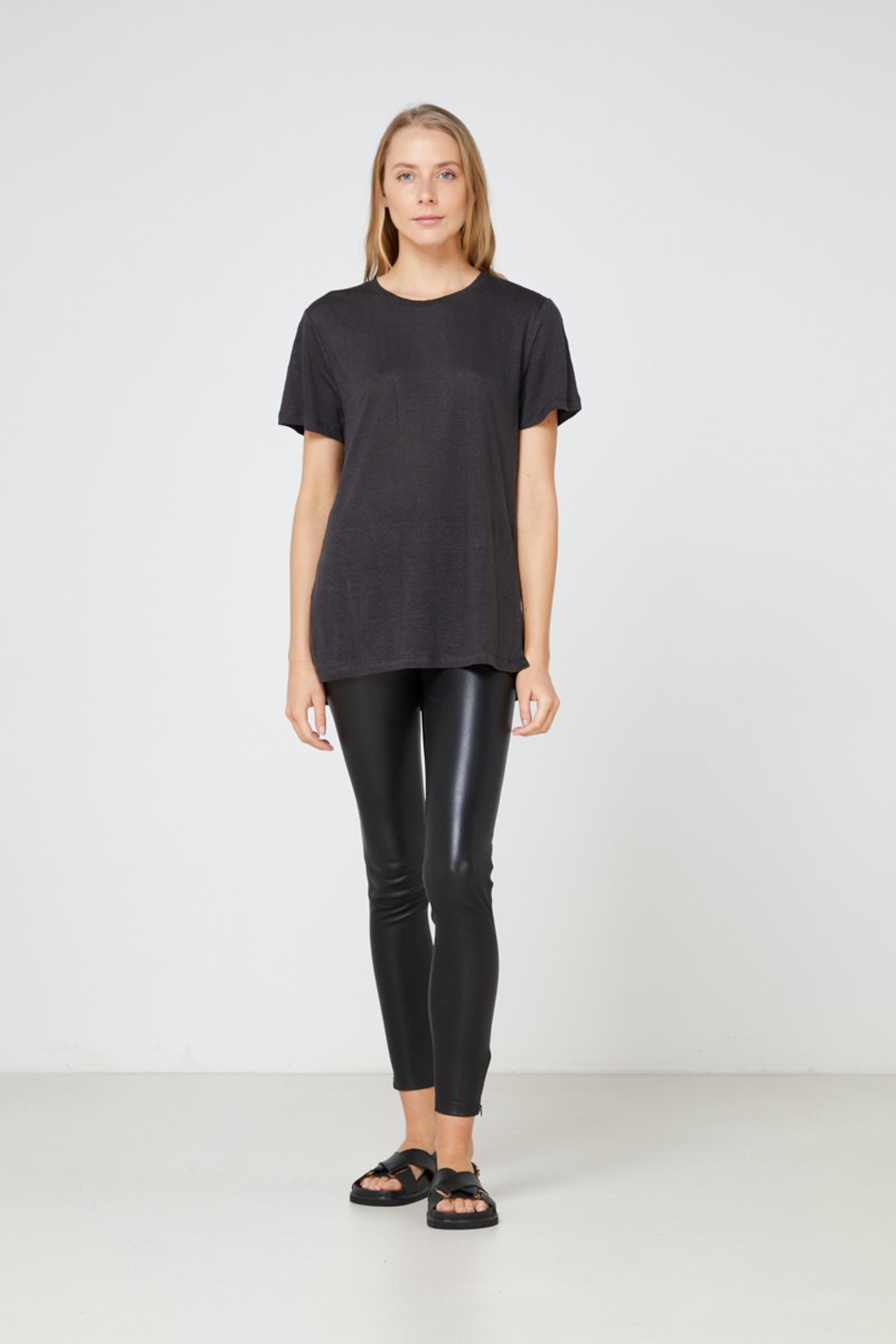 Elka Collective EC Linen Crew Neck Tee Black  2
