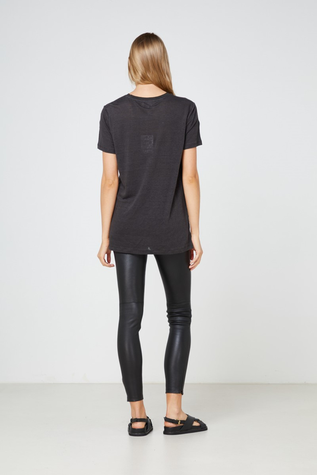 Elka Collective EC Linen Crew Neck Tee Black  5