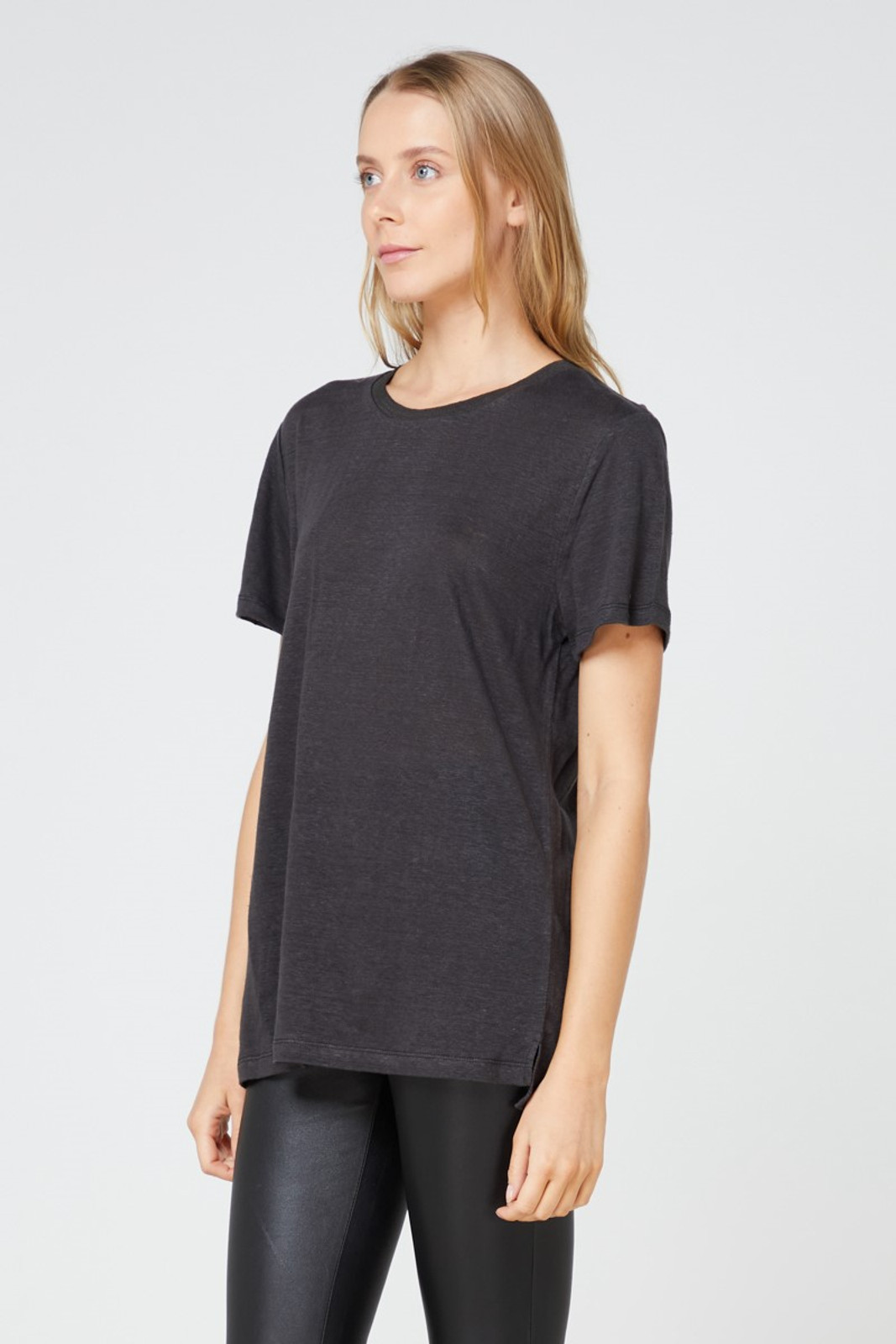Elka Collective EC Linen Crew Neck Tee Black  6