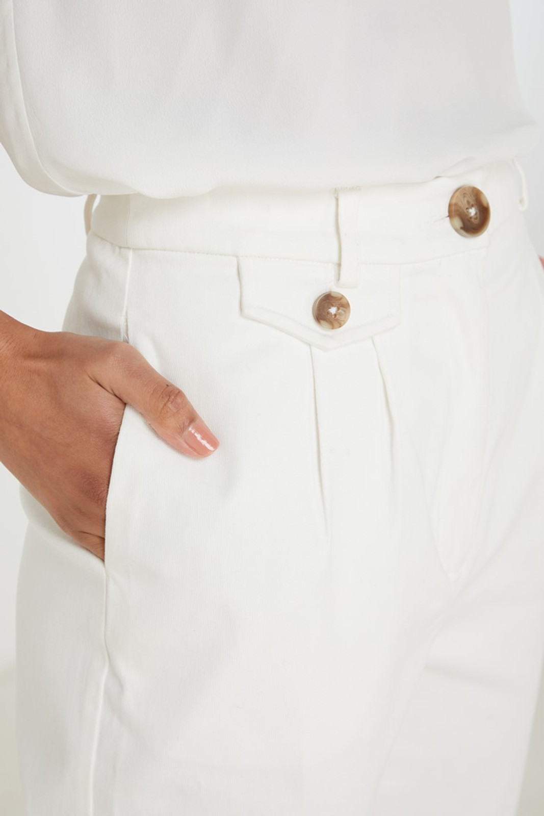 Elka Collective Desi Pant White  4