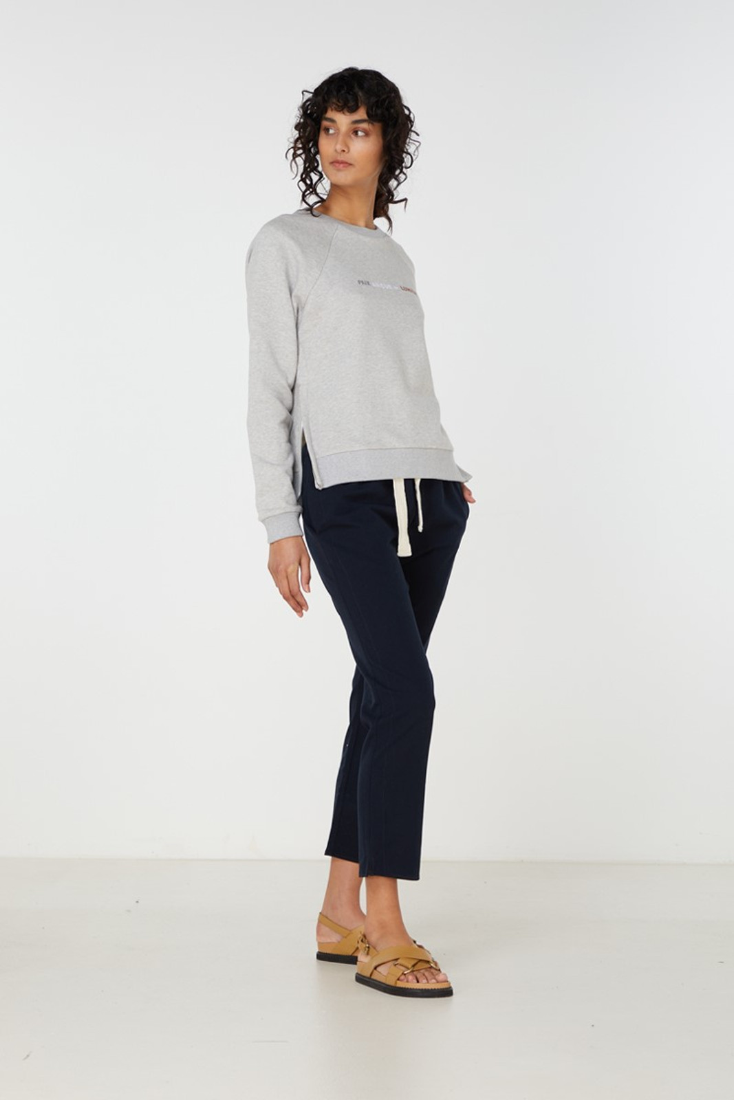 Elka Collective Paix Amour Sweat Grey  1