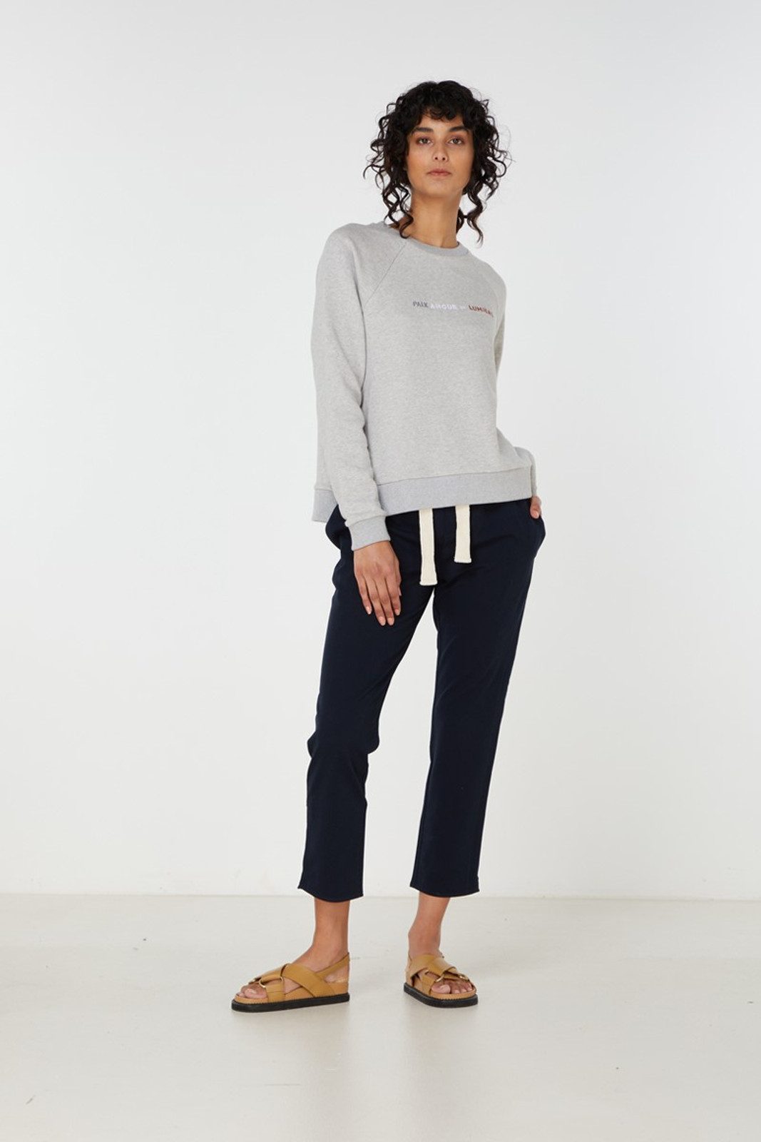 Elka Collective Paix Amour Sweat Grey  2