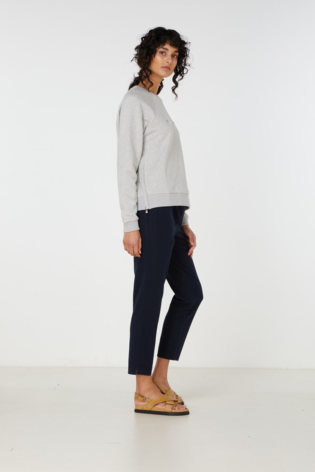 Elka Collective Paix Amour Sweat Grey  3