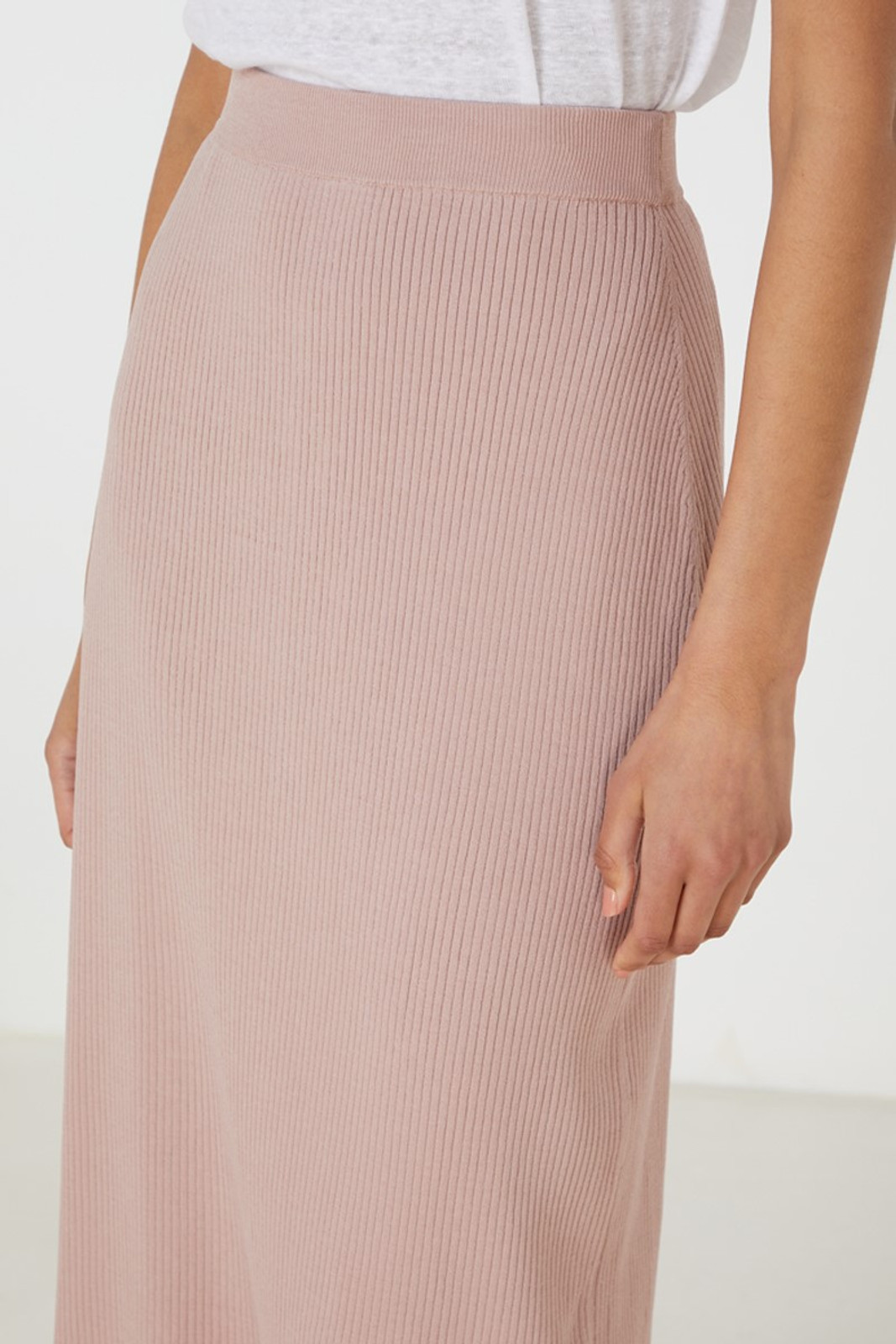 Elka Collective Airley Knit Skirt Pink  5