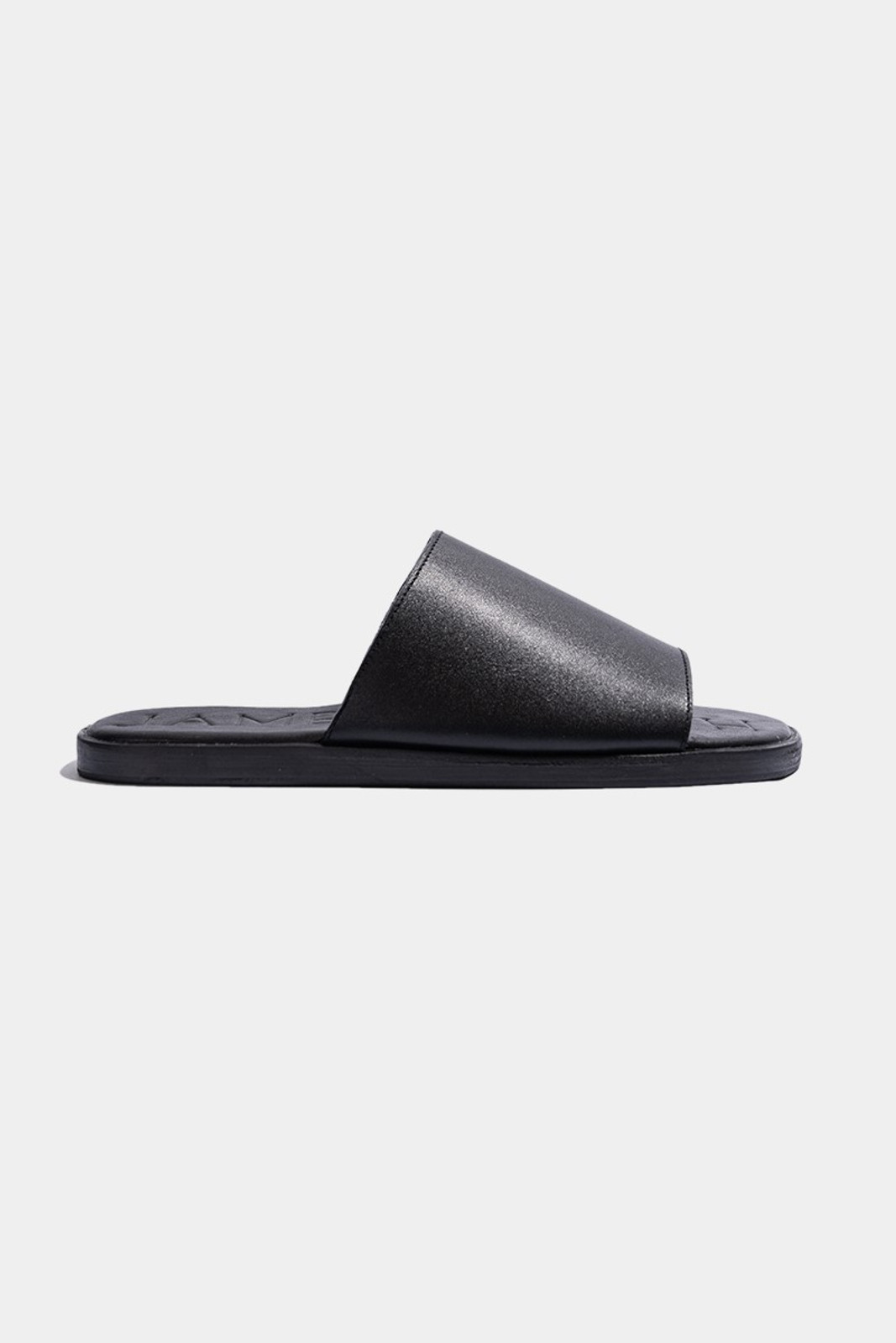 Elka Collective  Black JAMES SMITH SLIDES OFF DUTY 1