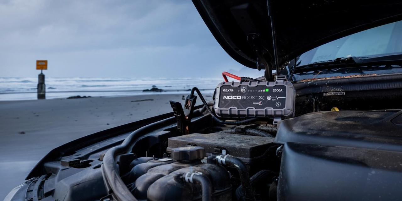 GBX75  2500A 12V UltraSafe Lithium Jump Starter