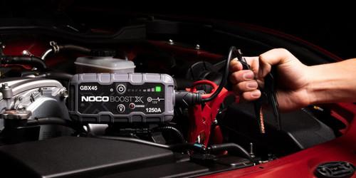 GBX45  1250A 12V UltraSafe Lithium Jump Starter