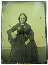 1800s LARGISH TINTYPE PHOTO of a WOMAN ex USA ESTATE.