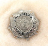 OBSOLETE USA ARKANSAS STATE POLICE METAL PIN / BADGE. #24