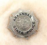 OBSOLETE USA ARKANSAS STATE POLICE METAL PIN / BADGE. #24