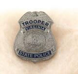 OBSOLETE VINTAGE USA VIRGINIA TROOPER STATE POLICE METAL PIN BADGE #31