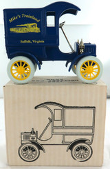 "1988 ERTL L/EDITION 1905 DELIVERY CAR BANK ""MIKE'S TRAINLAND"". 1:25 MINT IN BOX."