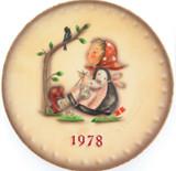 1978 HUMMEL GOEBEL HUM 272 8TH ANNUAL PLATE.