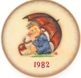 1982 HUMMEL GOEBEL HUM 275 12TH ANNUAL PLATE.