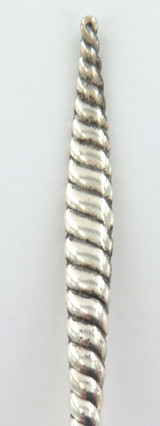 """1880 NICE USA WHITING MFG Co """"OVAL TWIST"""" PATTERN STERLING SILVER SUGAR SPOON."""