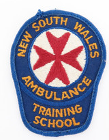 SCARCE / OBSOLETE NSW AMBULANCE BASIC LIFE SUPPORT SMALL PATCH. 38MM DIAMETER.