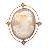 1800s 9CT GOLD CAMEO BROOCH with INLAID SEED PEARL POINTS.