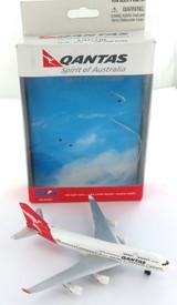 VERY NICE DARON QANTAS SPIRIT OF AUSTRALIA No RT8554 DIECAST AEROPLANE + BOX.