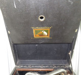 EARLY 1900s HMV C101G PORTABLE GRAMOPHONE.