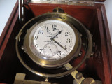 WWII C.1941 HAMILTON MAHOGANY USA NAVAL DECK CLOCK CHRONOMETER MODEL 22