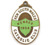 SCARCE 1954 NEW SOUTH WALES CATHOLIC CLUB MEMBERS BADGE / FOB.