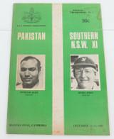 SCARCE 1972 SOUVENIR PROGRAMME. PAKISTAN v SOUTHERN NSW XI.