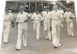 1930s ORIGINAL LARGISH CRICKET PHOTO. AUSTRALIAN TEAM. BRADMAN ETC