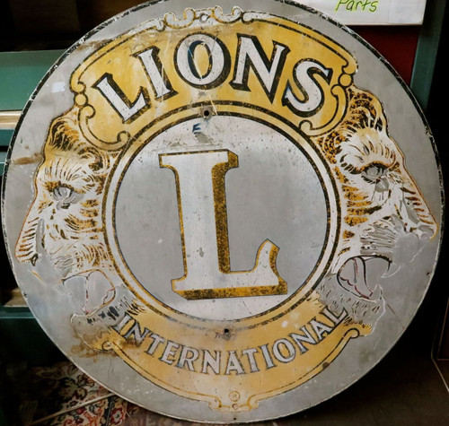 RARE LARGE VINTAGE LIONS INTERNATIONAL DOUBLE SIDED METAL SIGN 76CMS IN DIAMETER
