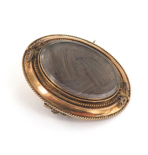 1800s 14K GOLD MOURNING BROOCH WITH LOCK OF HAIR.
