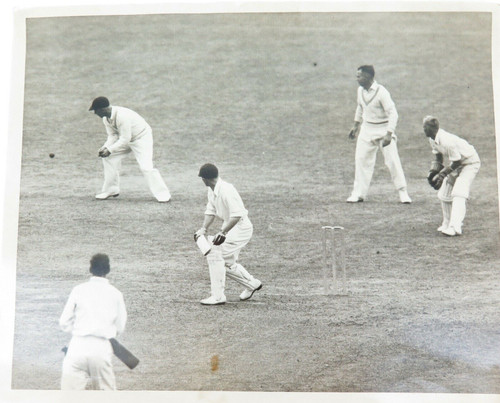 1937 ORIGINAL PRESS PHOTO. CYRIL WASHBROOKS TEST DEBUT v NEW ZEALAND AT THE OVAL