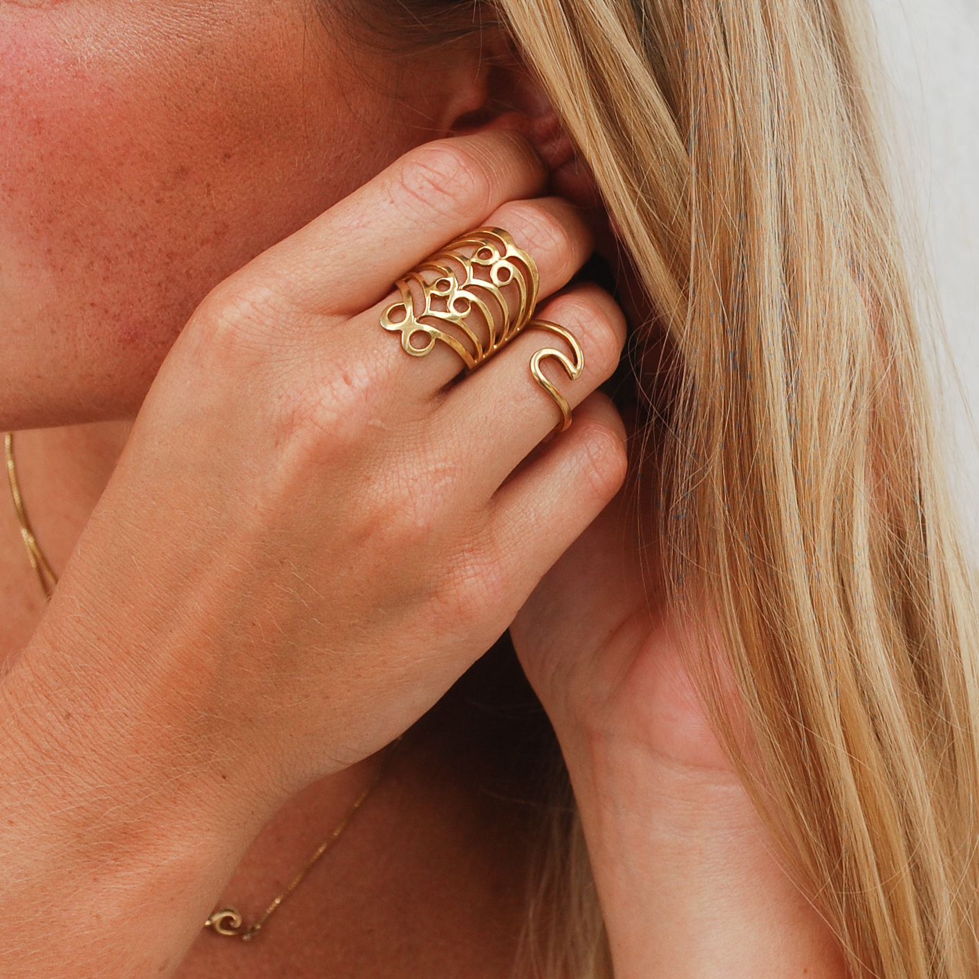 Wave Ring in Gold