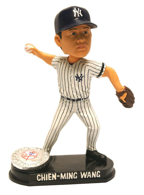 New York Yankees Chien-Ming Wang Forever Collectibles Blatinum Bobblehead - Pose 2