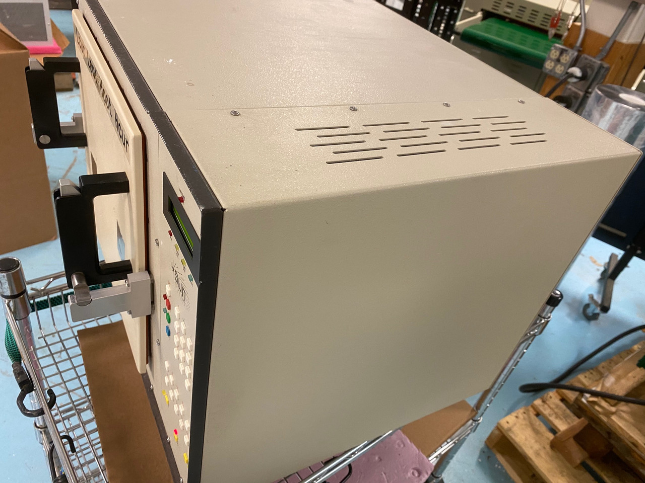 Used Sun Electronic Chamber Oven EC11, 220 V, cooling