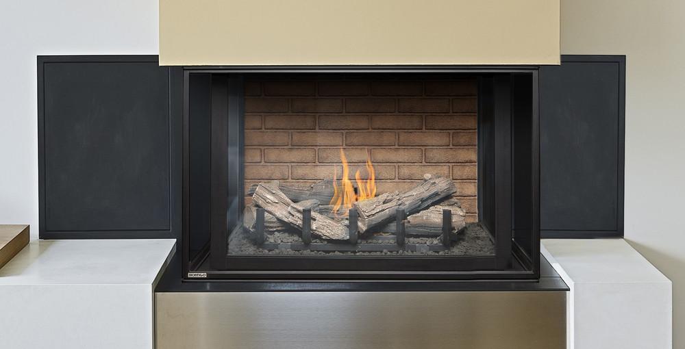 """Montigo Divine 38""""  Bay Gas Fireplace"""