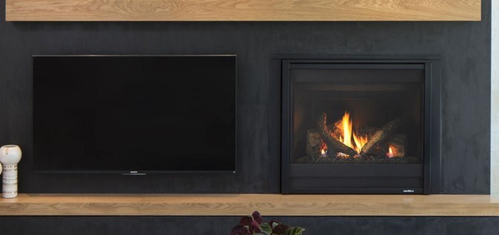 Heat & Glo SlimLine 5 w/ IFT Direct Vent Gas Fireplace