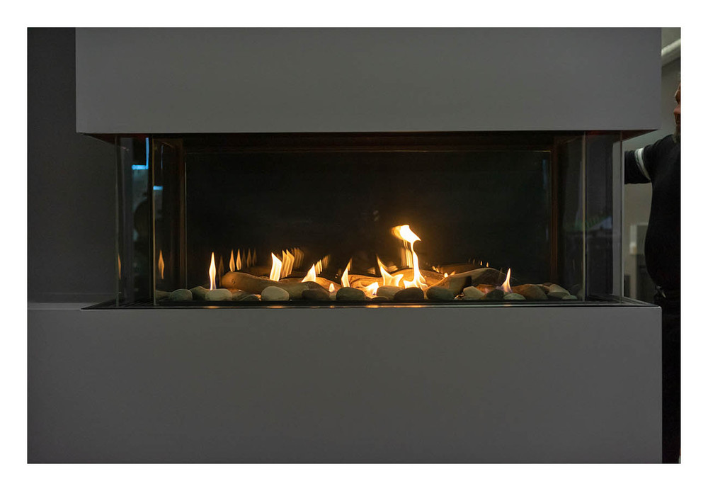 Amantii Sierra Flame Lyon 4-Sided See-Through Gas Fireplace