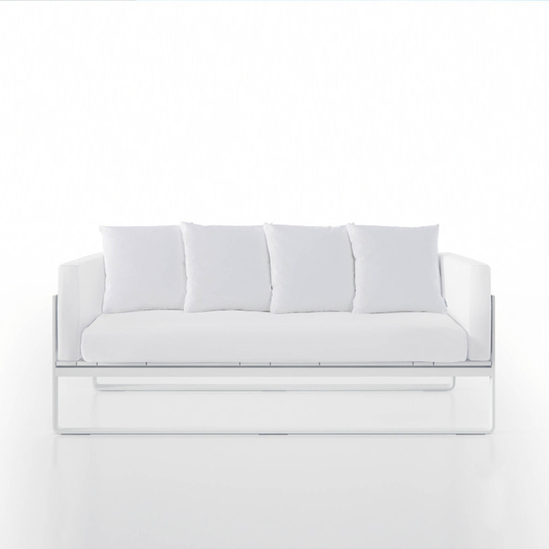 Gandiablasco Sofa Flat. Made of thermo-lacquered aluminium profiles and 100% recyclable polyethylene. Polyurethane foam rubber covered with water-repellent fabric. Removable fabric cover.  NOTE: No special sizes available in this collection.