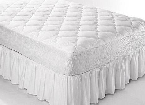 Skirted mattress pad