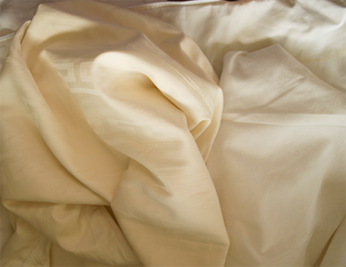 How to get your yellowed sheets white & keep them that way.