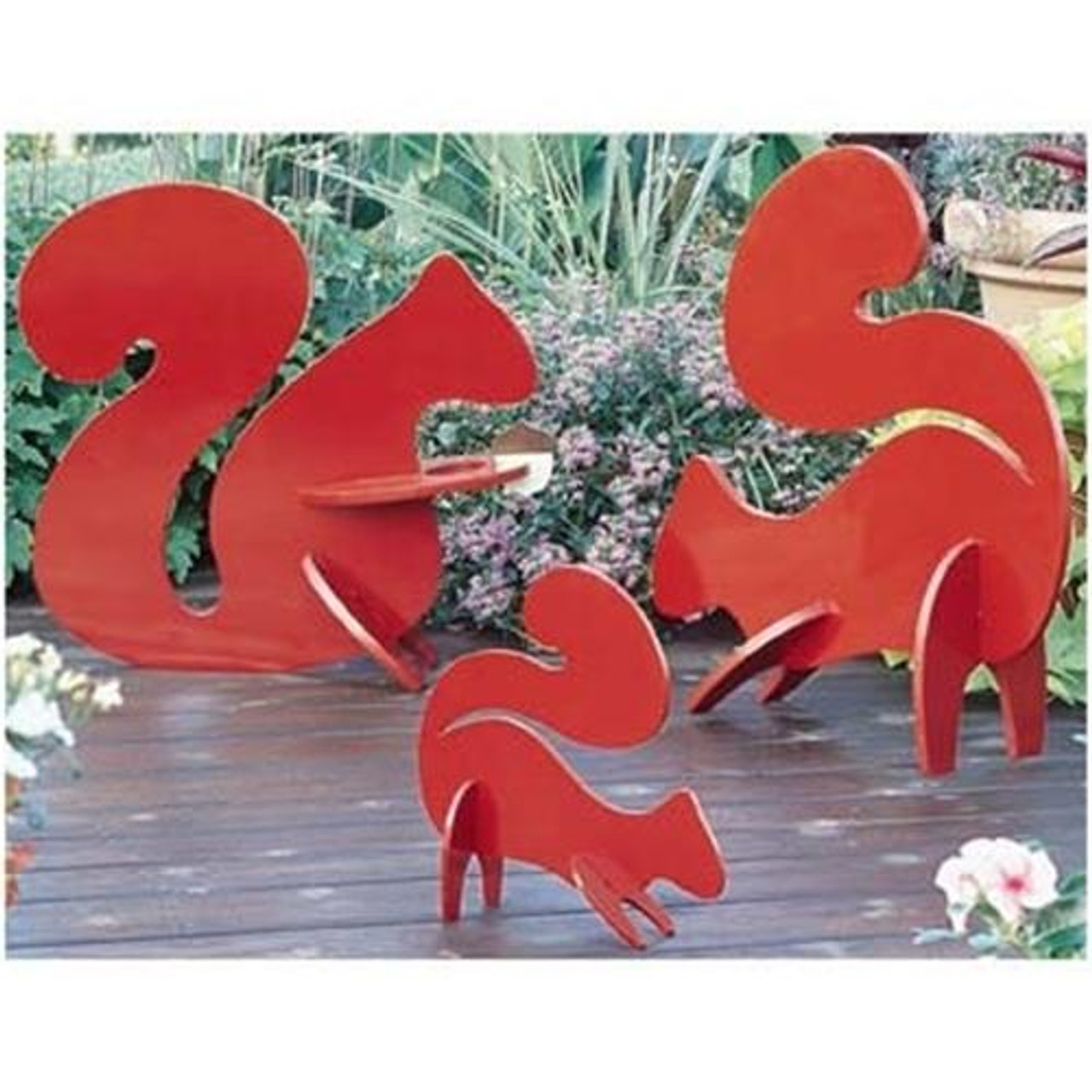 Playful Lawn Squirrels Woodworking Plan will brighten your outdoor space.