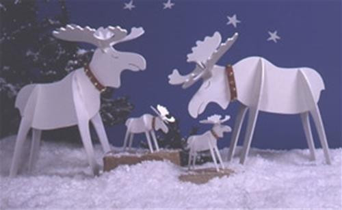This Merry Moose Set Woodworking Plan is ideal for the holiday season.