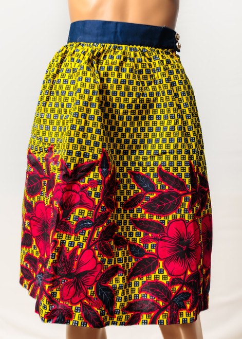 Feminine, chic, pretty, functional, adaptable and affordable is the qualification of Code wear. The clothes are hand-made and much attention is paid to ensure they flatter the figure Made From spectacular prints and rich textured fabrics. (Streetmarketafrica.com)