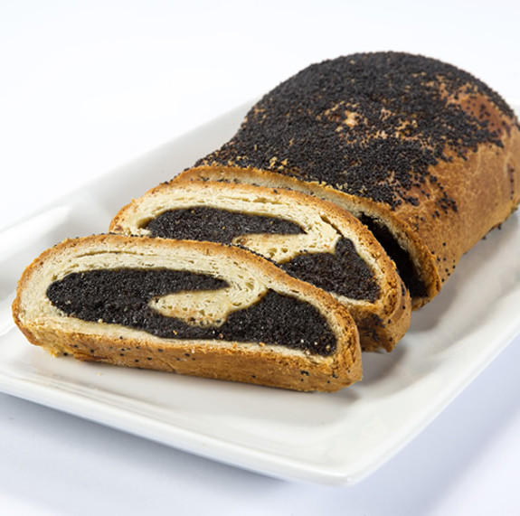 Old Country Poppyseed Roll