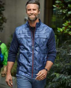 Cutter & Buck Discovery Windblock Hybrid Print Jacket