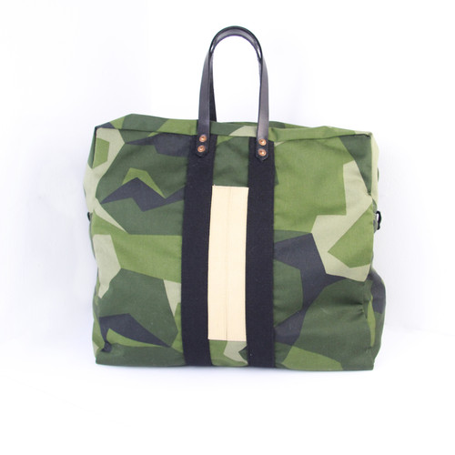 M90 camo Klaxon Howl aviator bag