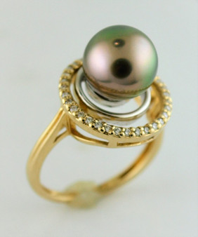 14K Yellow Gold Tahitian pearl and Diamond Ring
