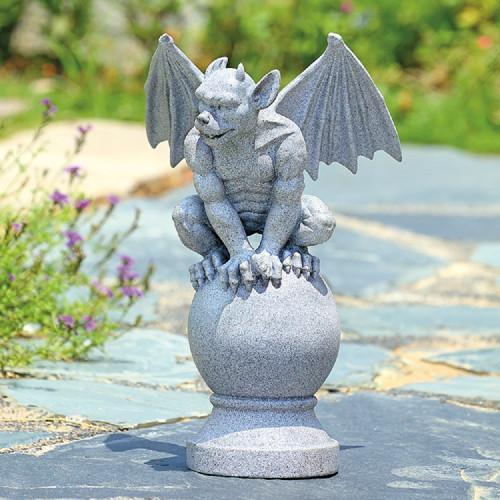 "Observant Gargoyle Garden Sculpture 15.5""H"