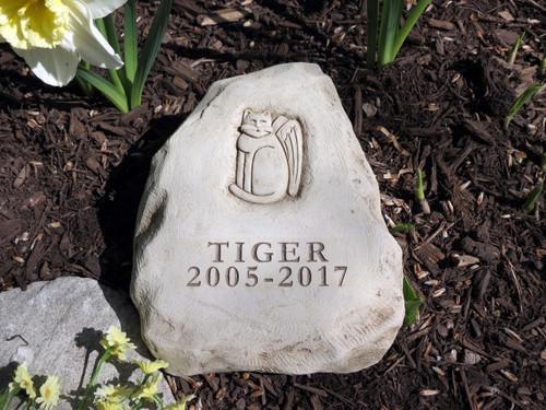 """2 Lines Engraved Cat Memorial 6.5""""H"""