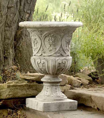 Urns, Pots & Pedestals