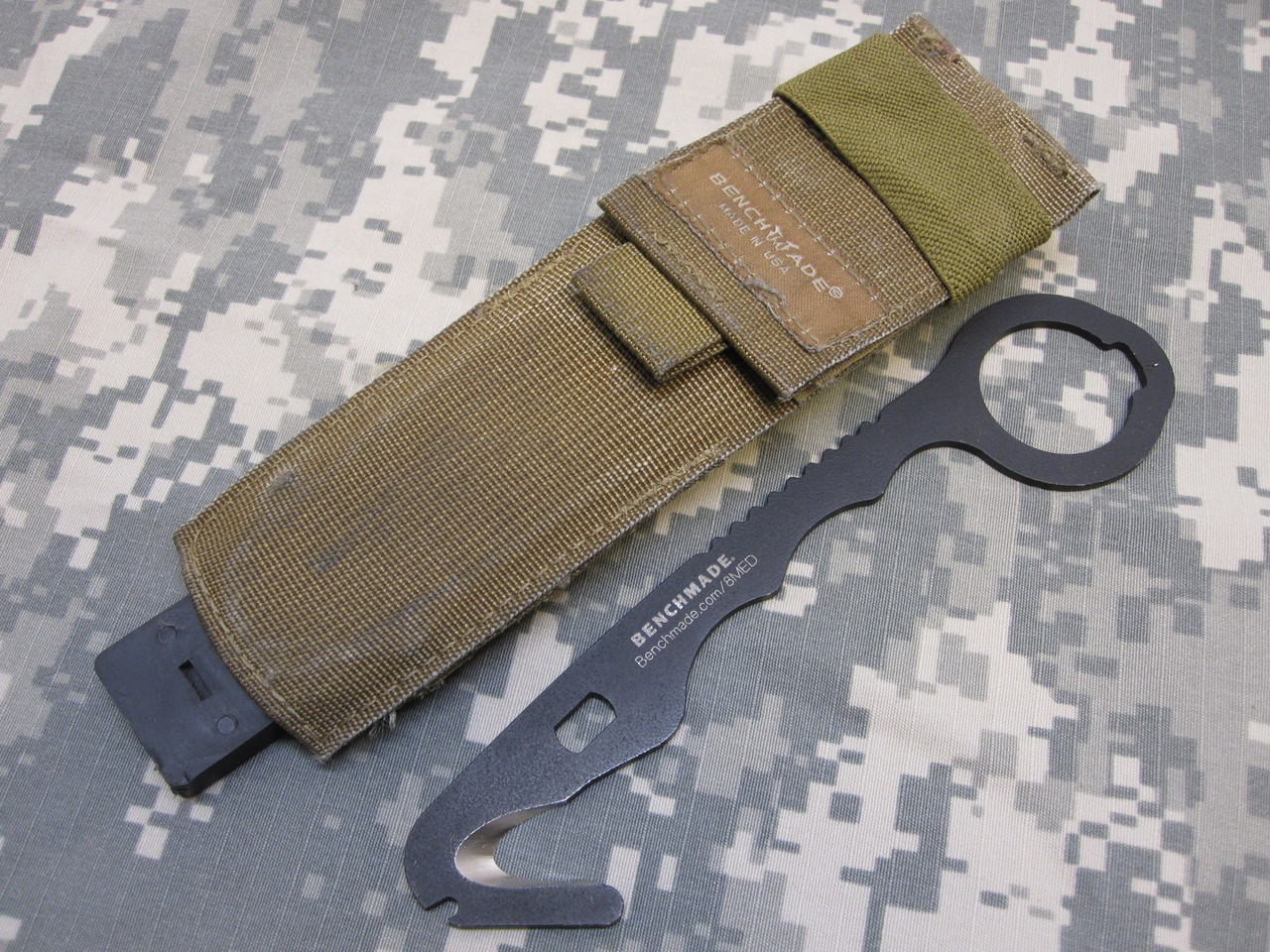 BENCHMADE 8MED RESCUE HOOK KNIFE SAFETY SEATBELT STRAP CUTTER a8